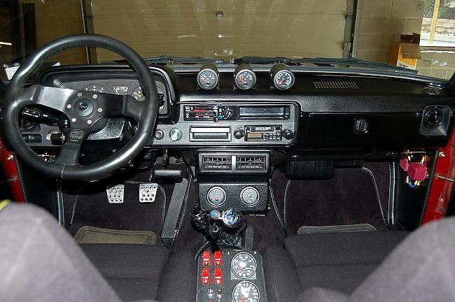75470d1250386147 Pics First Gen Interiors Toyota Truck Interior View 650 432 Trucks