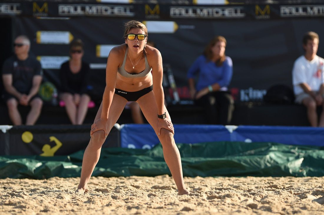 Sheila Shaw Started Playing On The Avp Tour In 2007 Last Season She Had Three 9th Place Finishes As Well As A 7 Volleyball Articles Beach Volleyball Athlete