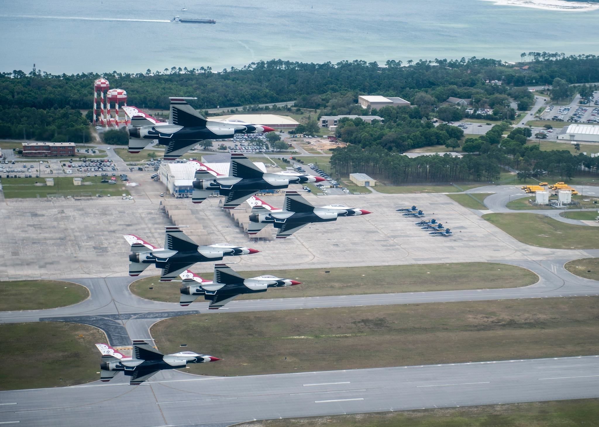 US Air Force Thunderbirds arrived at NAS Pensacola for