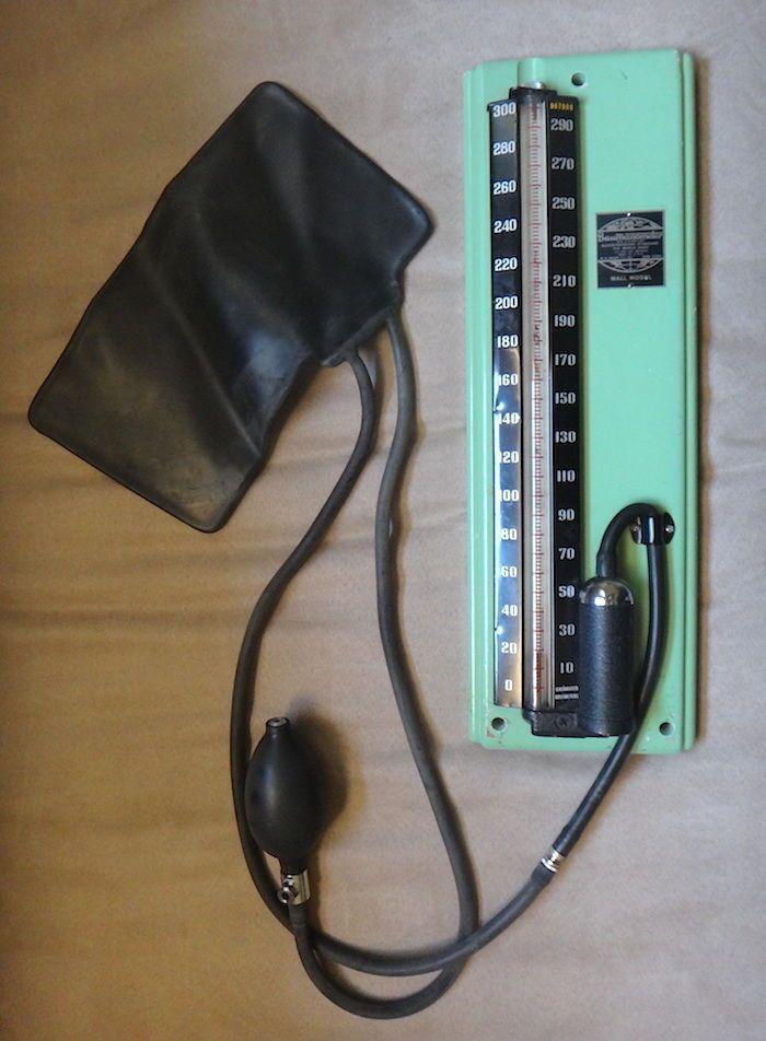 Baumanometer 1930's Medical Device Antique Blood Pressure Gauge Wall Monitor | eBay