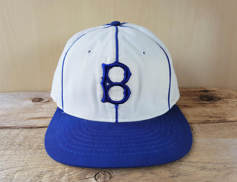 Size Small-Medium New Era Grey Vintage Baseball Cap