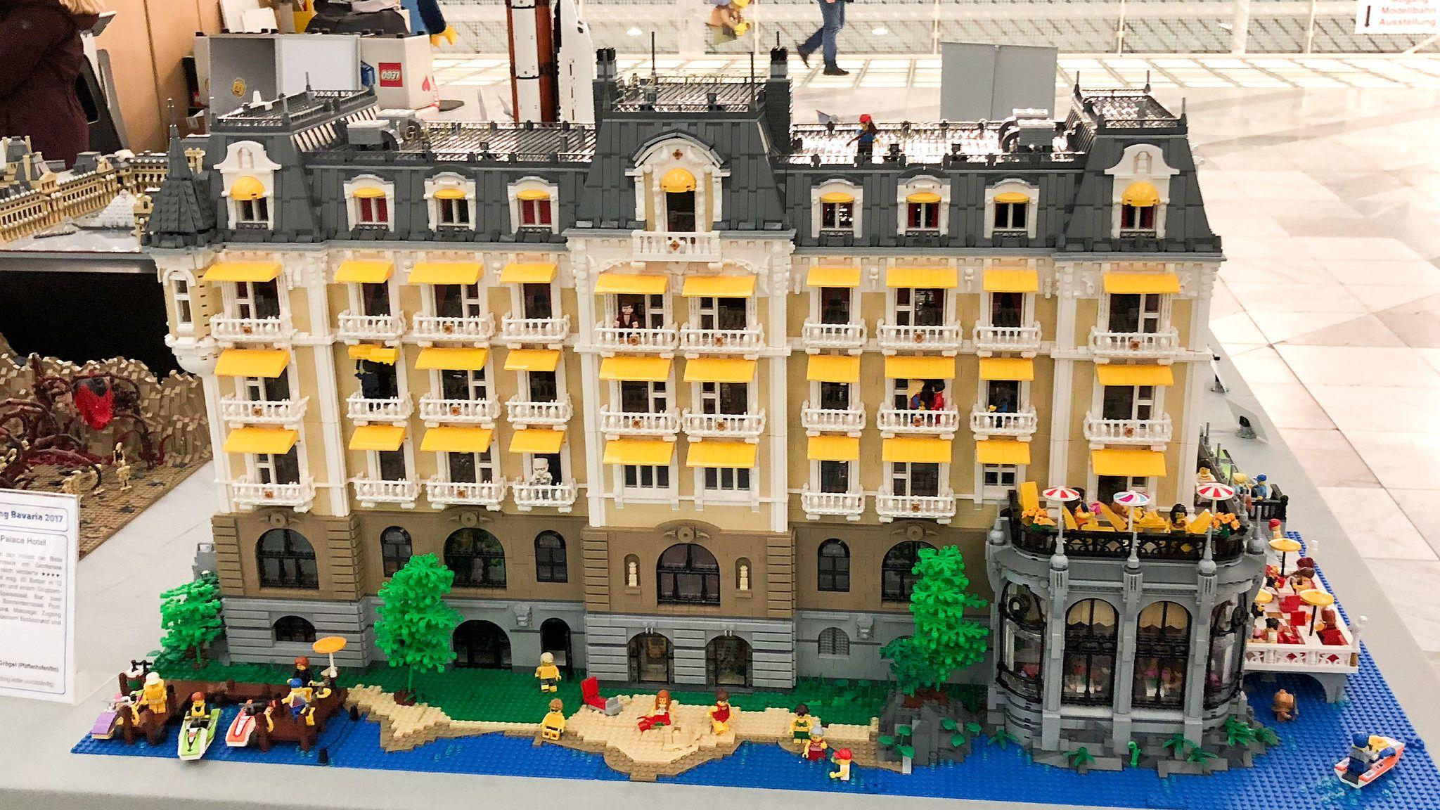 Hotel lakeside 5 (BB2017) | Lego hotel, Lego architecture ...