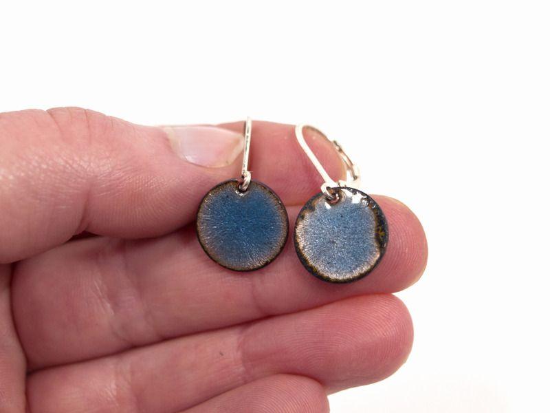 Ohrringe Kupfer Emaille kornblumenblau von Emaillekönigin ...
