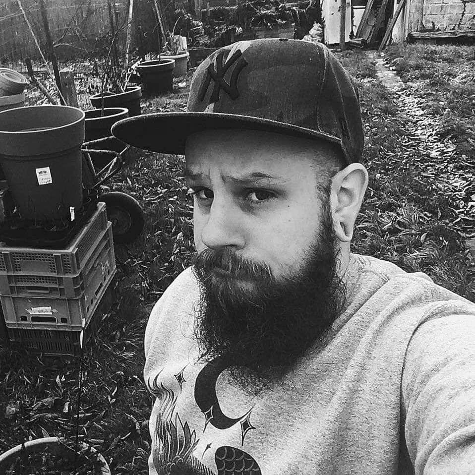 Début autumn 2019 picture  #altboy#european#´#picture#barbu#tattoo#ink#inkedboy##metalgirl#bearded #beard#ink#inkedboy#metalhead#barbu##model##inkaddicts#alternativeboy #impericon# #metalgirl#metal #altmodel#armtattoo#usa#horror#modelphotography#beardmodeling##tattooedpeople#tattooedguys#blackmetalgirl#percings#geek#halooween#tattoomodel#autumnvibes🍁
