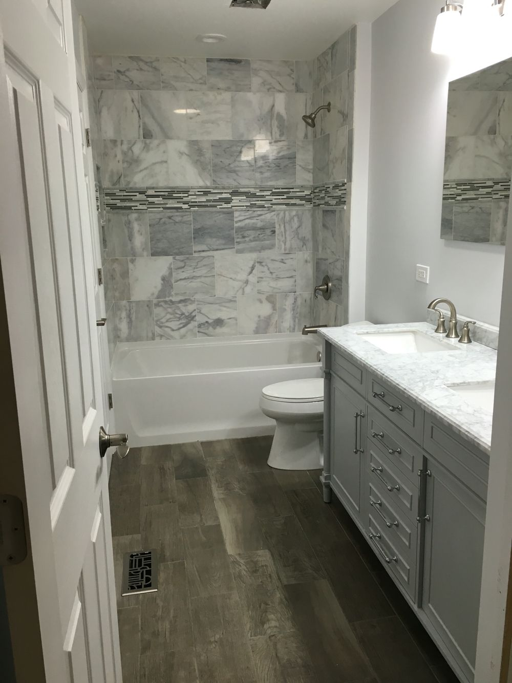 Bathroom remodel raised ranch interior pinterest for Ranch bathroom design