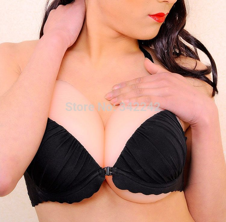 D cup breast pictures
