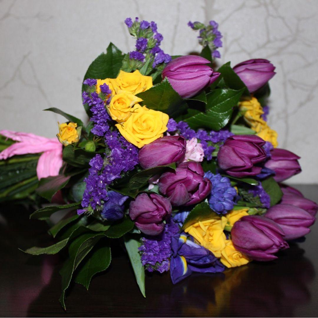 Металлический горшок для цветка