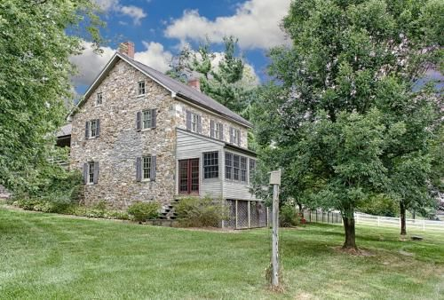 1111 Old Hanover Road, Spring Grove, PA 17362 is For Sale - HotPads