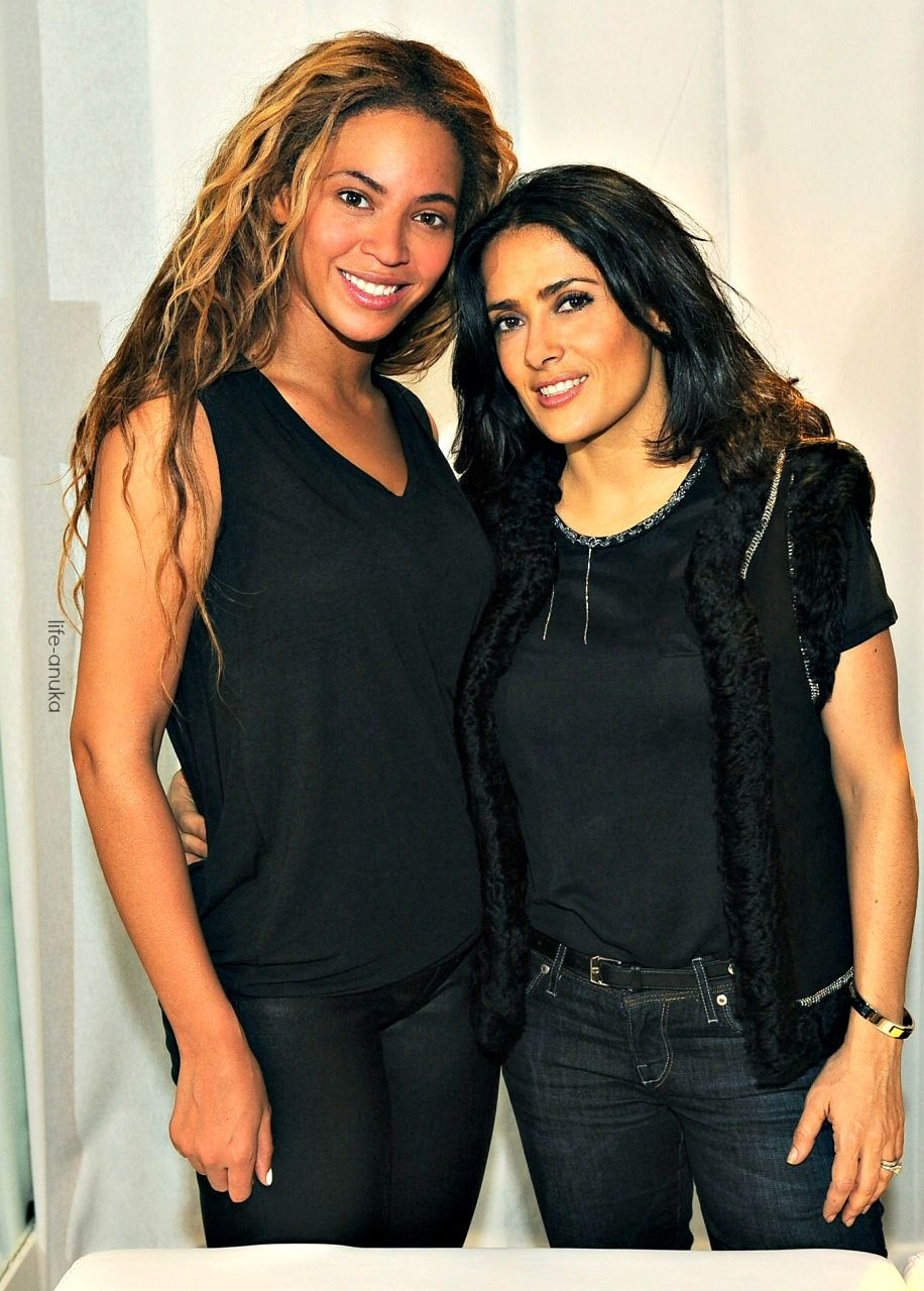 baac9745eea0d Beyonce and actress Salma Hayek  Beautiful  Women  Queenbey ...