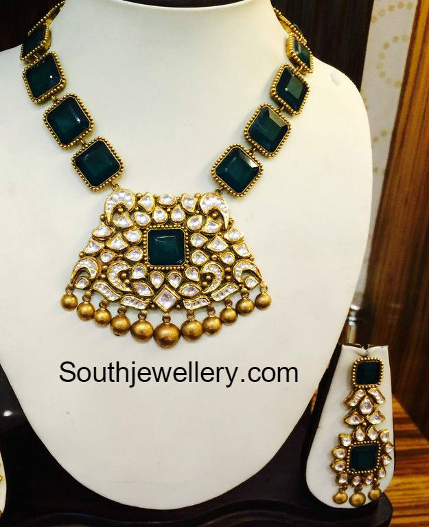 Emerald necklace kundan pendantg 625767 kundan polki emerald necklace kundan pendantg 625767 aloadofball Images