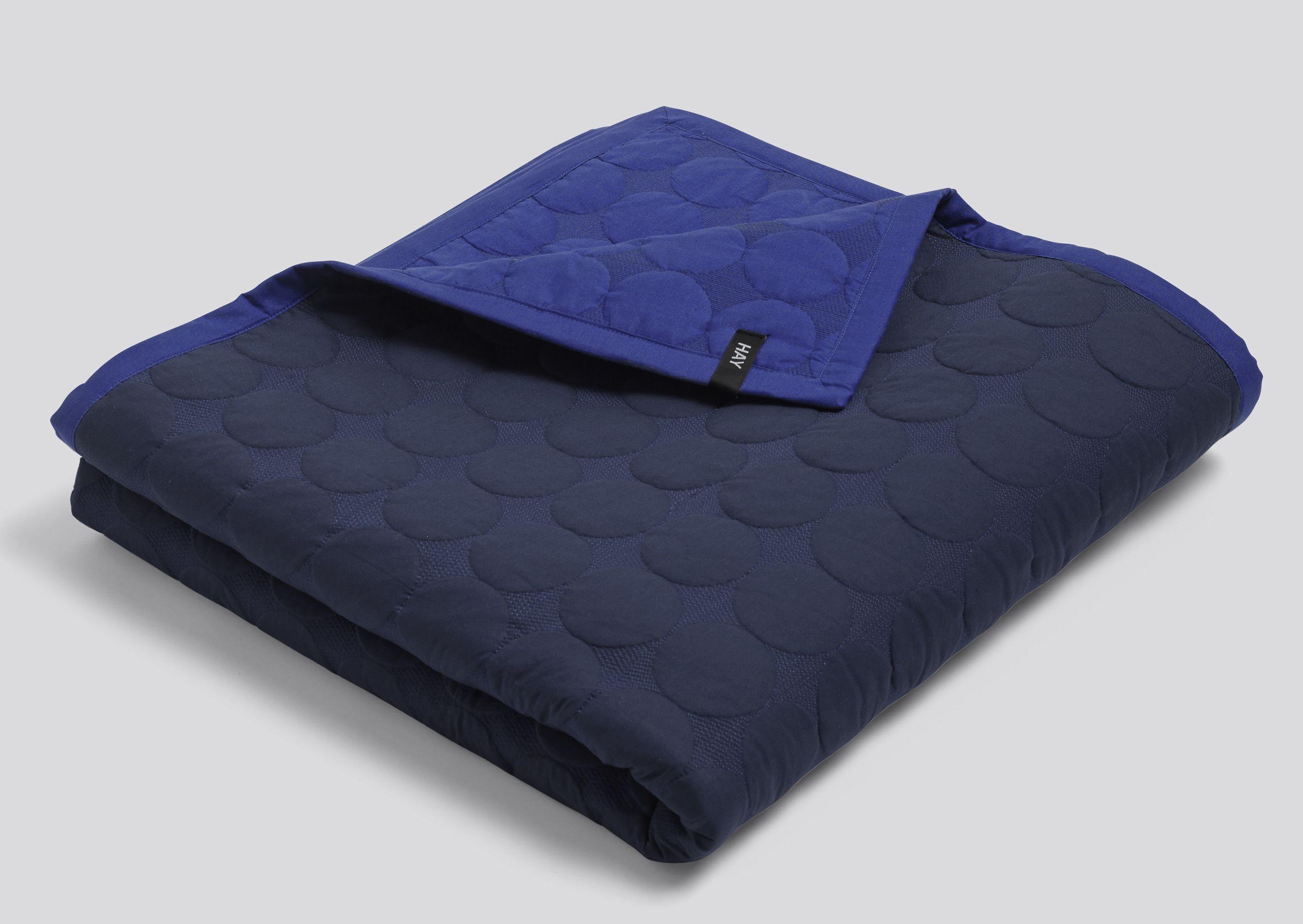 Fantastisk HAY Sengetæppe - Mega Dot Quilt - Blue - 235 x 245 | Blåt AC02