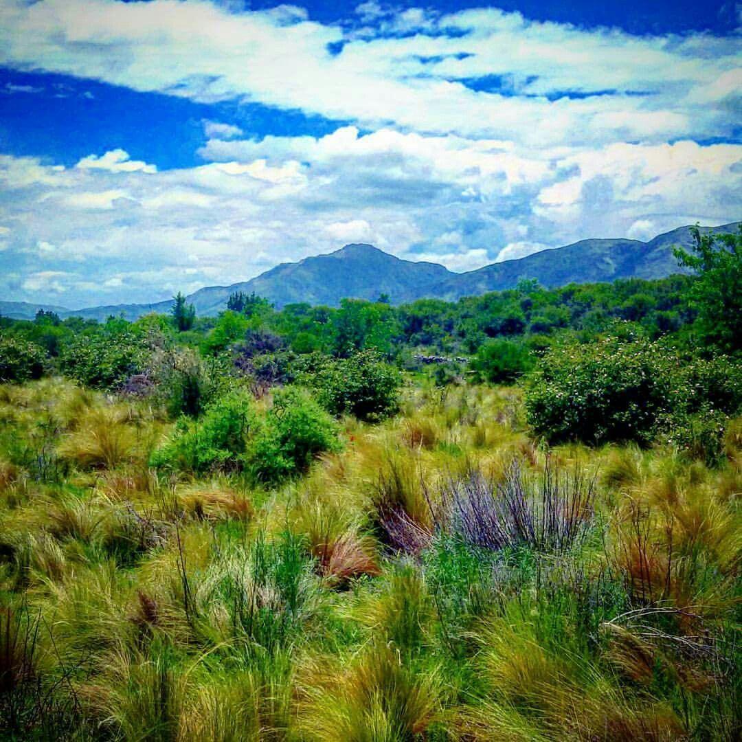 Vista Cerró Uritorco desde Paraje Los Pencales Córdoba Argentina