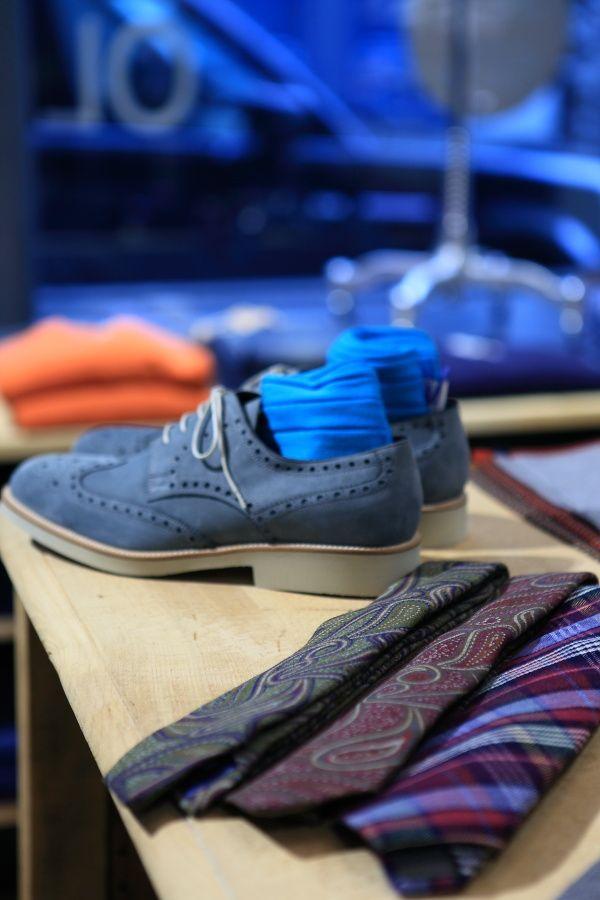 En attendant les beaux jours Chaussures derby fleury en nubuck bleu et des  accessoires printaniers   cdfe57c037cd