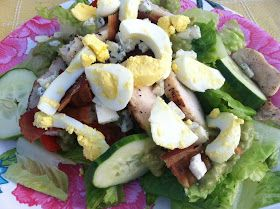 """Point-less"" Meals: Grilled Chicken Cobb Salad with Avocado Dressing"