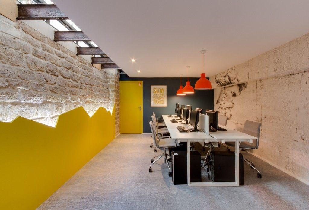 Bureau mur en pierre eclairage indirect creative spirit