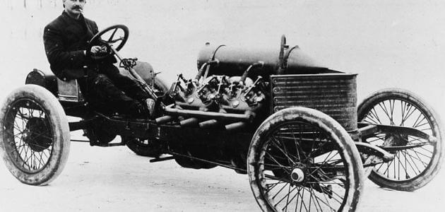 أول سيارة تم صنعها و من صنعها العقل السليم