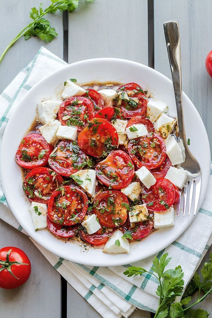 Perfect Marinated Tomatoes with Mozzarella