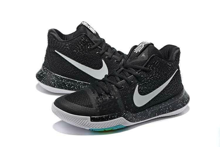 d4ed5cebdb074 Cheap Nike Kyrie 3 Christmas | www.lebron10.net/ | Nike kyrie、Nike ...