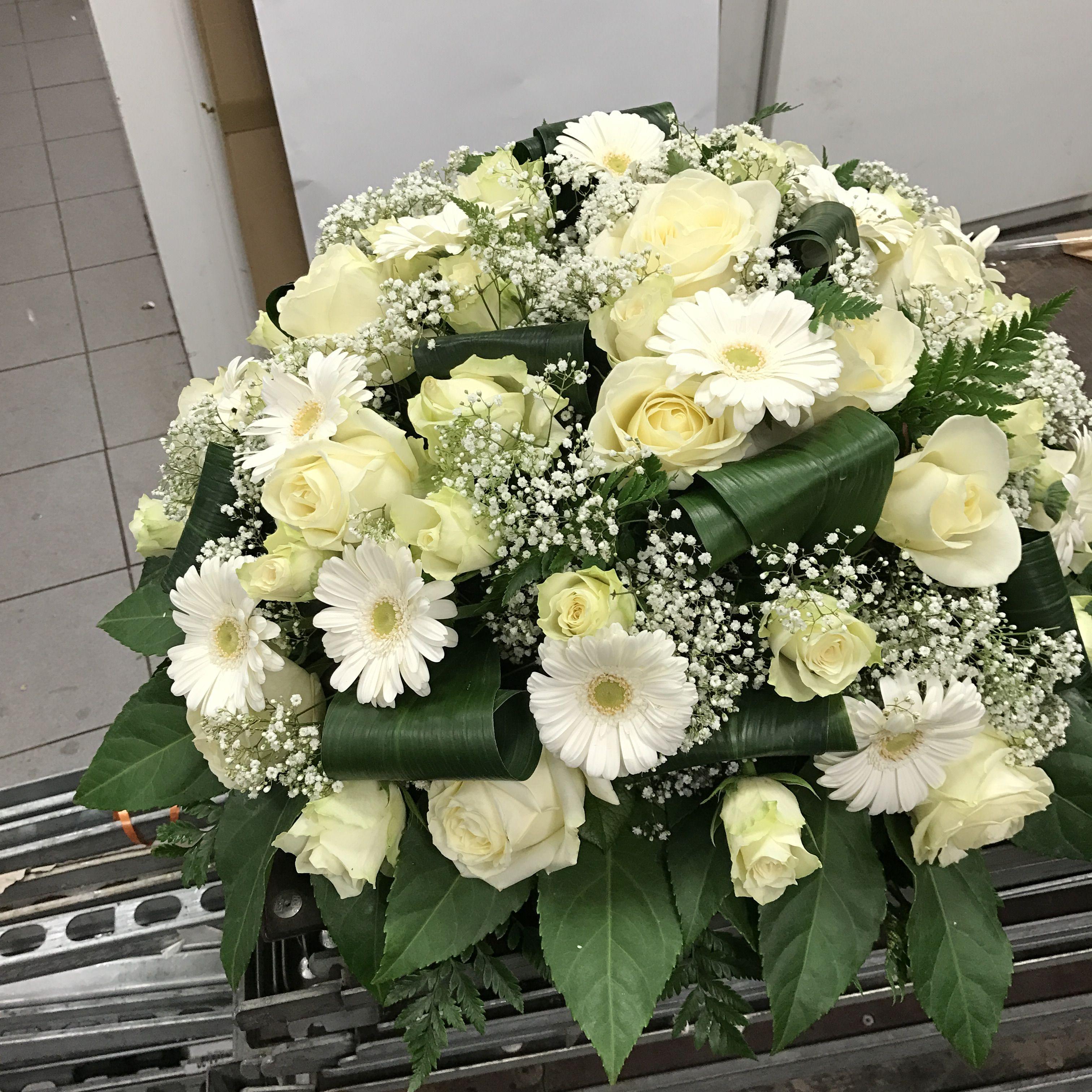 Coussin blanc Fleurs de funéraires, Planter des fleurs