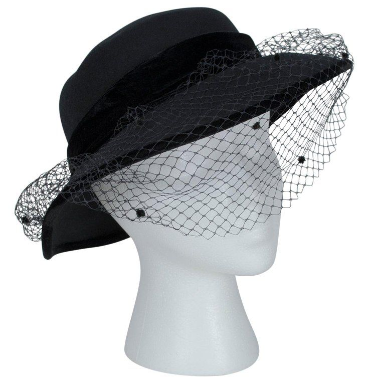 Italian Wool Mourning Funeral Hat With Dotted Veil 1970s In 2021 Dotted Veil Veiled Hats Fashion