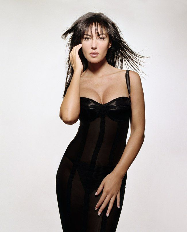 Pin By M R On Monica Bellucci