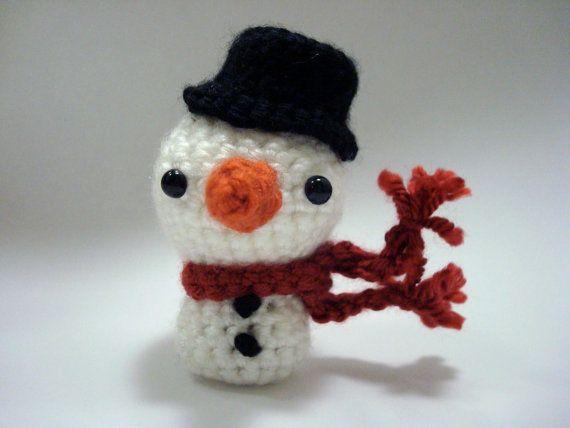 Amigurumi Snowman : Large snowman a free amigurumi christmas crochet pattern sayjai