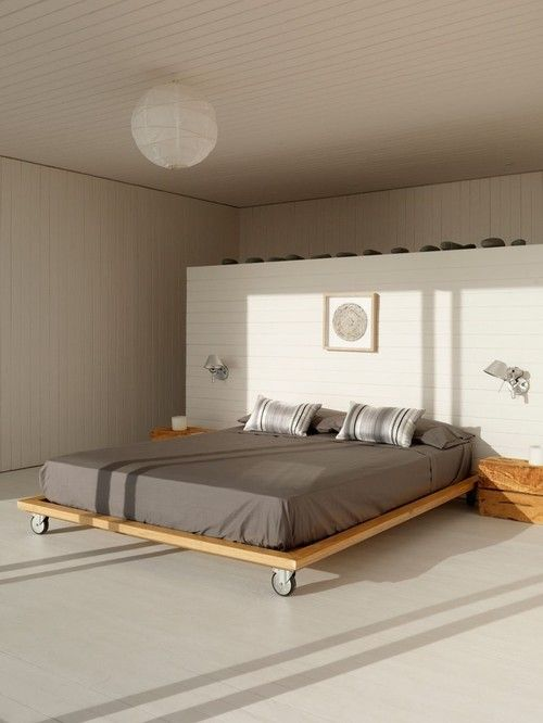 Think I Like Of This Movable Bed With Wheels But Only If You Could Lock The Wheels In Place At Time Minimalist Bedroom Design Minimalist Bedroom Bedroom Design