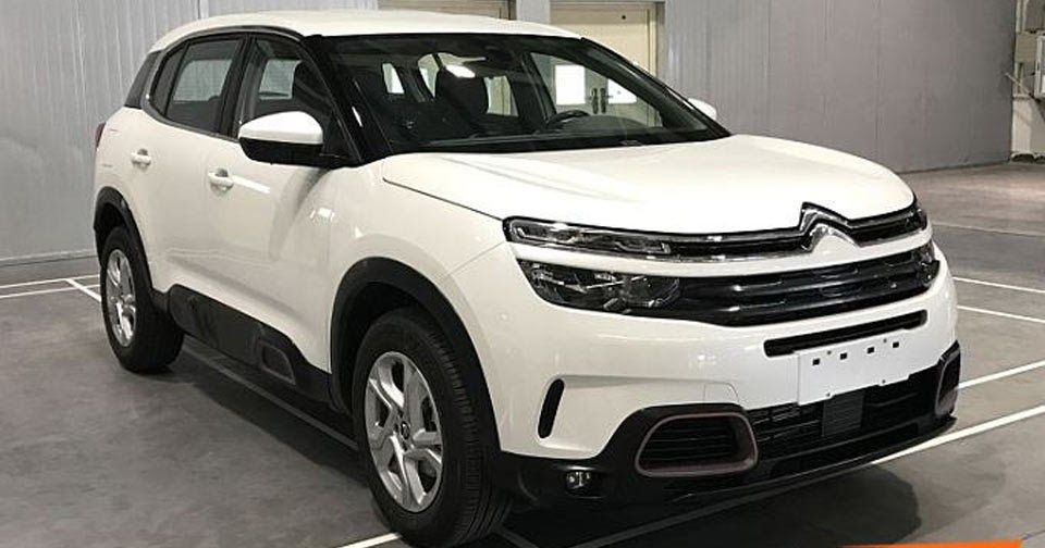 Meet The New Citroen C5 Aircross This Is It Updated Carscoops Citroën C5 Citroen Citroen Car