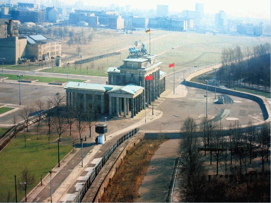 Die Mauer Ist Noch Nicht Weg Der Datenscheich Berliner Mauer Berlin Berlin Geschichte