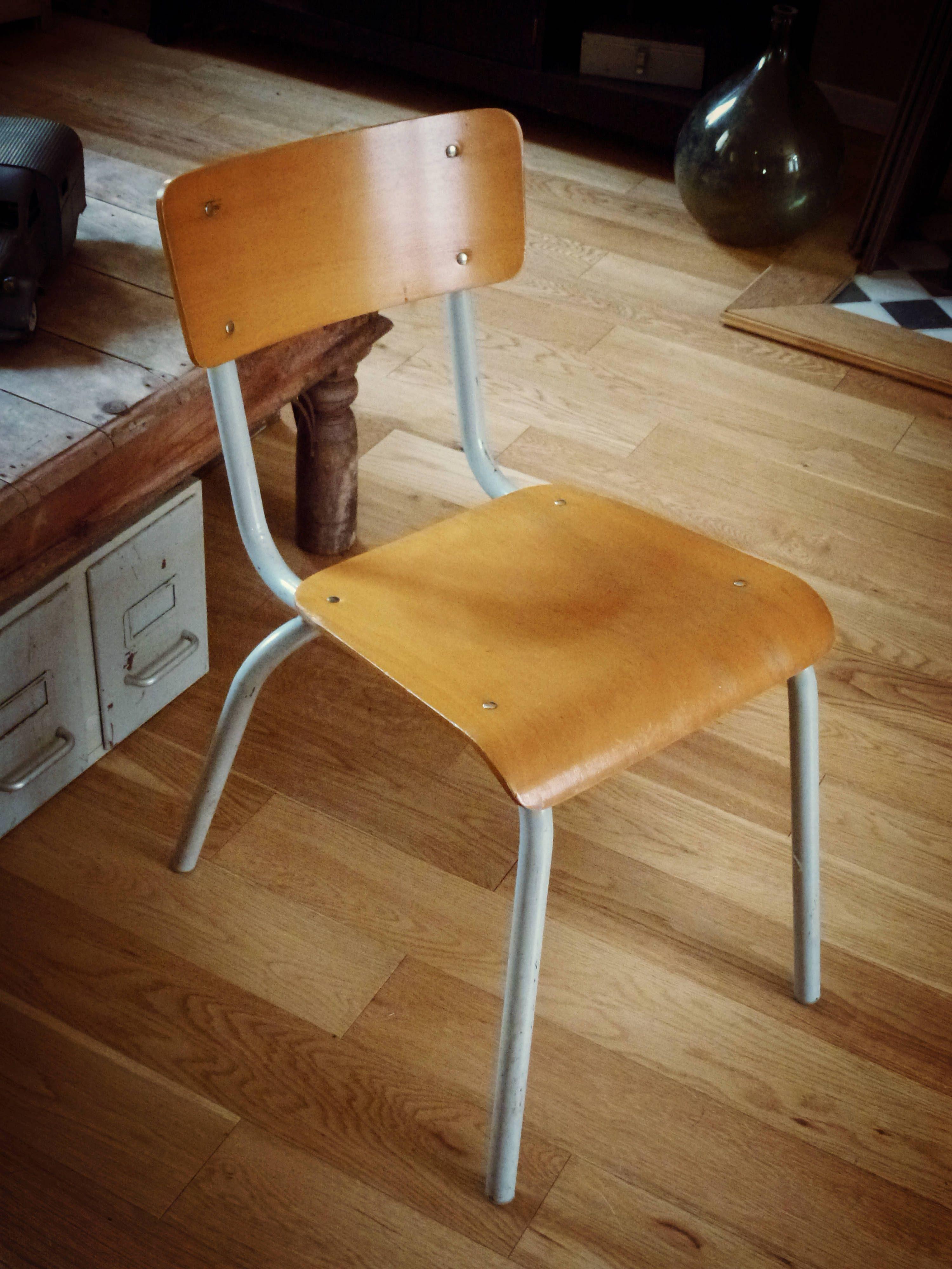 Chaise d école vintage MULLCA 511