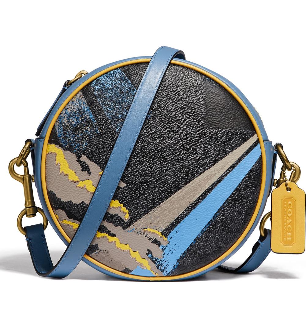 Elegant Ornate Floral Circles Sports Bag