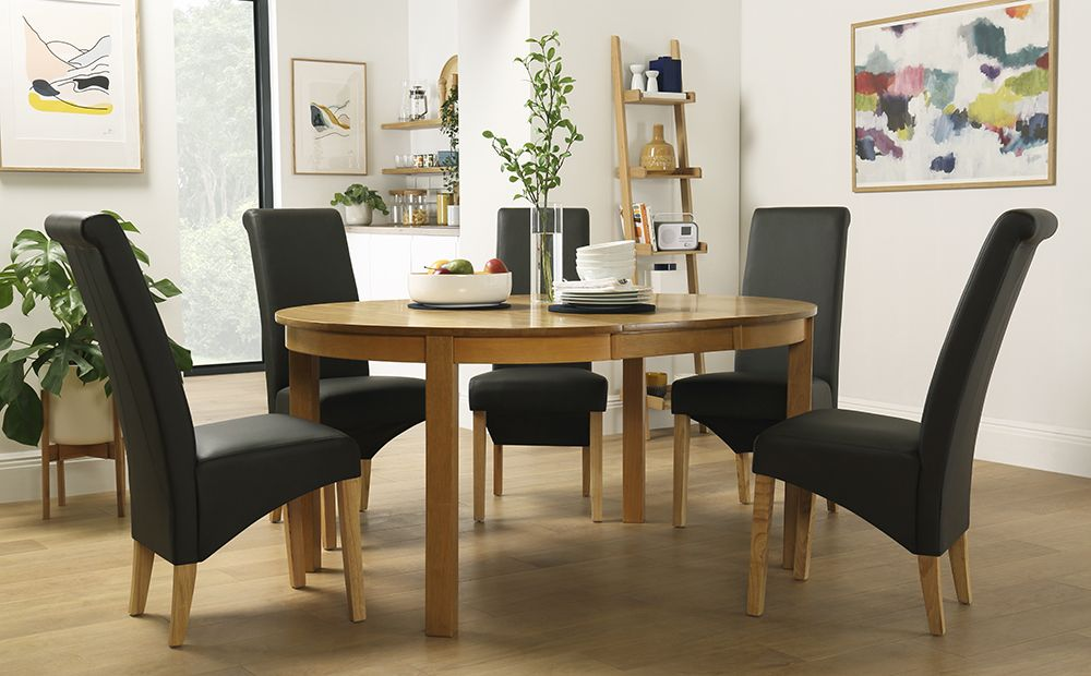 Marlborough Round Oak Extending Dining Table With 4 Richmond Brown