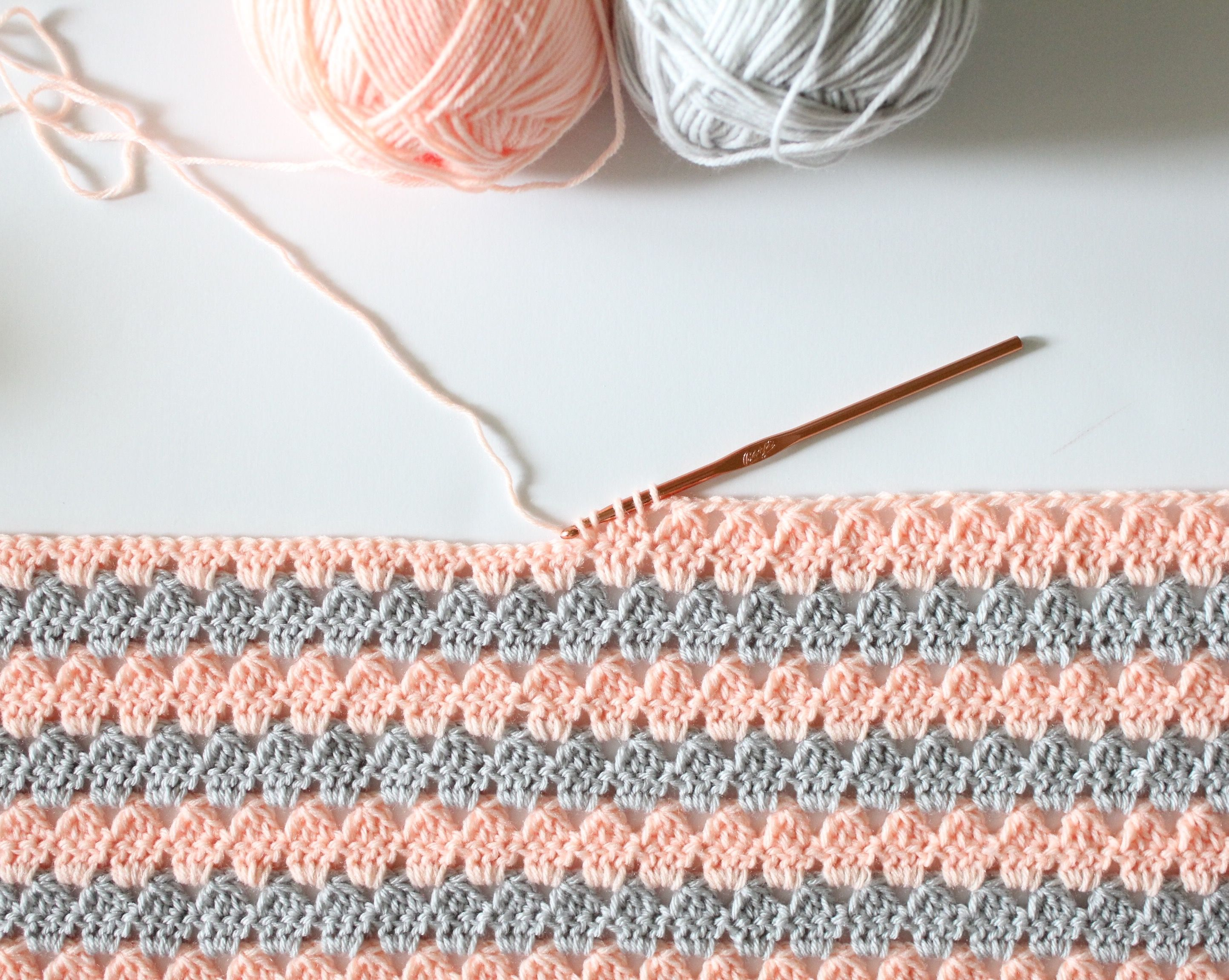Modern crotchet granny stitch | Crochet | Pinterest | Manta ...