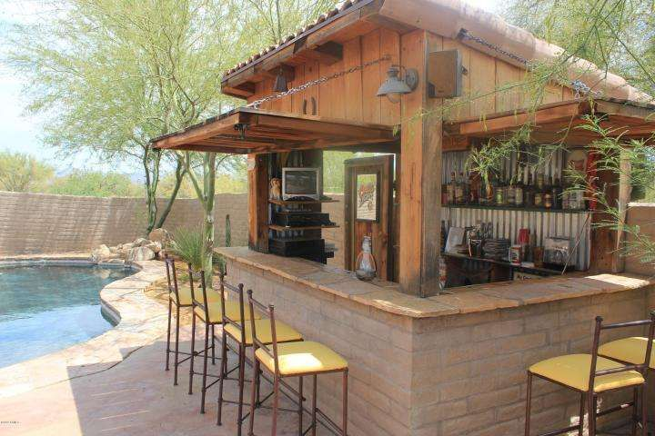 Lovely Homemade Outdoor Bar Ideas