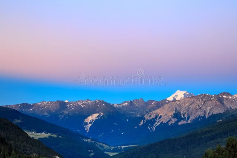 Mountain Landscape Beautiful Sunset In The Alps Blue Ridge Mountain Landscape Spon Beautiful Landsc Mountain Landscape Beautiful Sunset Beautiful Sky