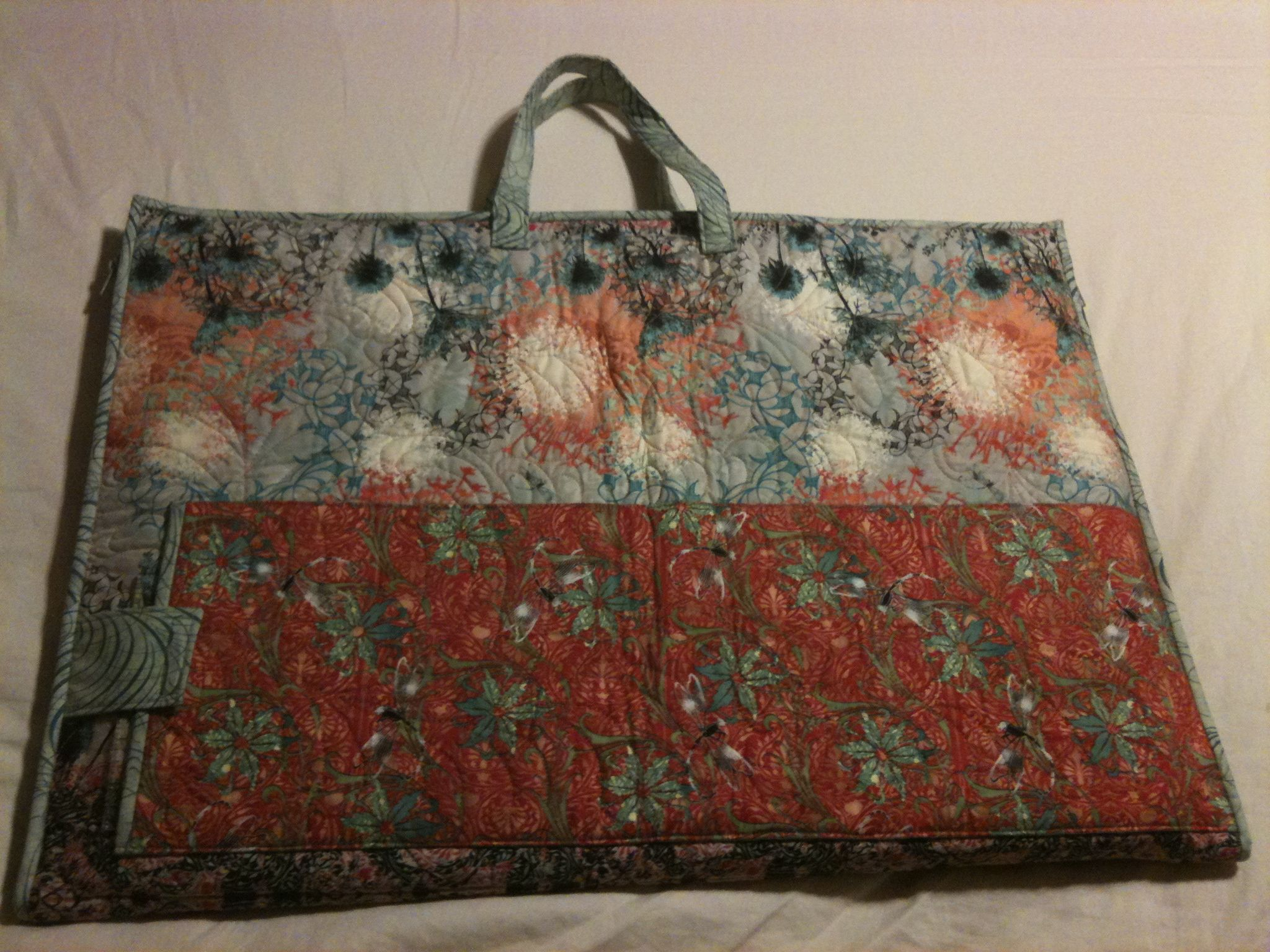 Quilting Retreat Tote | Quilting Tips and Tutorials | Pinterest ... : quilting tote - Adamdwight.com
