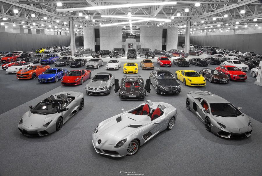 This Would Be My Dream Garage If It Had A Mustang In It Multi Car