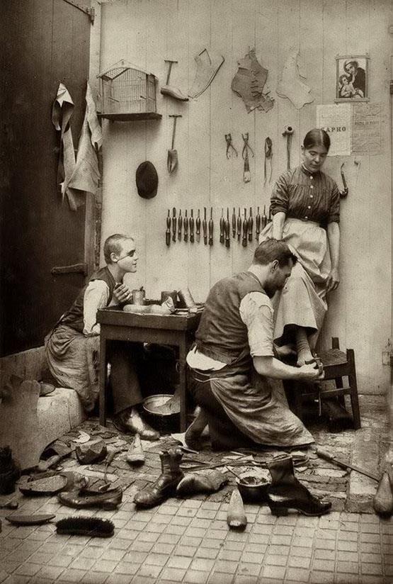 Shoemaker. Late 19th century    Source: pinterest[dot]com/pin/568016571724749122/
