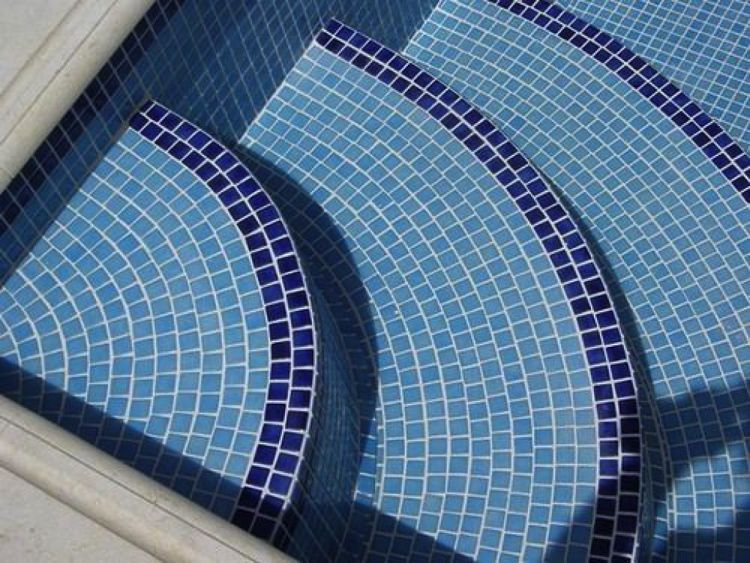Contemporary Mosaic Art Turning Your Ordinary Swimming Pool Into A Gorgeous Piece Of Art With Images Pool Tile Designs Swimming Pool Tiles Mosaic Pool