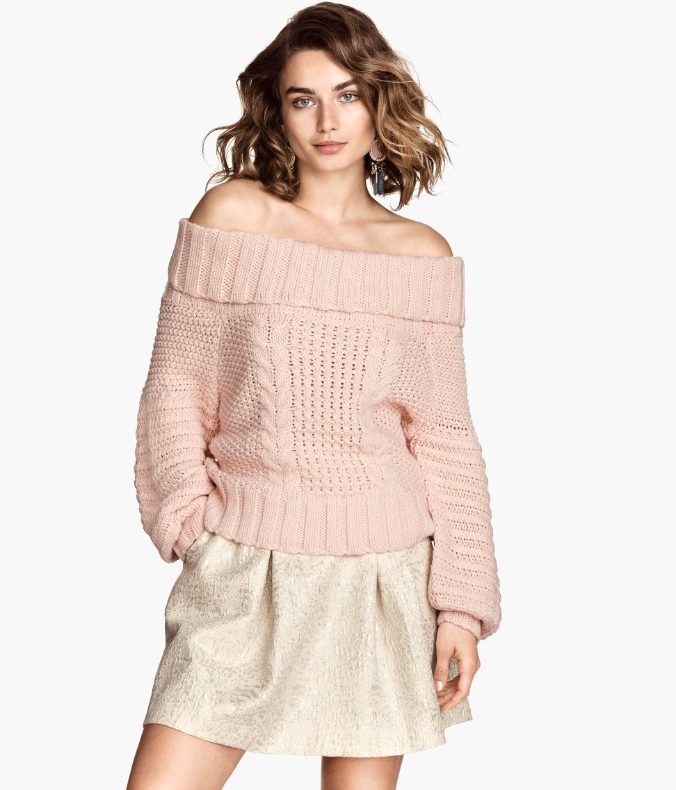 710e72b00f02f8 Short off-the-shoulder sweater with cable knit   long sleeves.