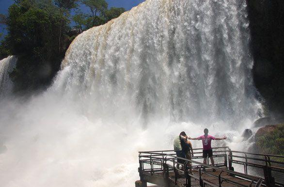 Breathtaking, Cataratas del Iguazú, Parque Nacional Iguazú, Misiones, Argentina - http://bit.ly/7j3LD