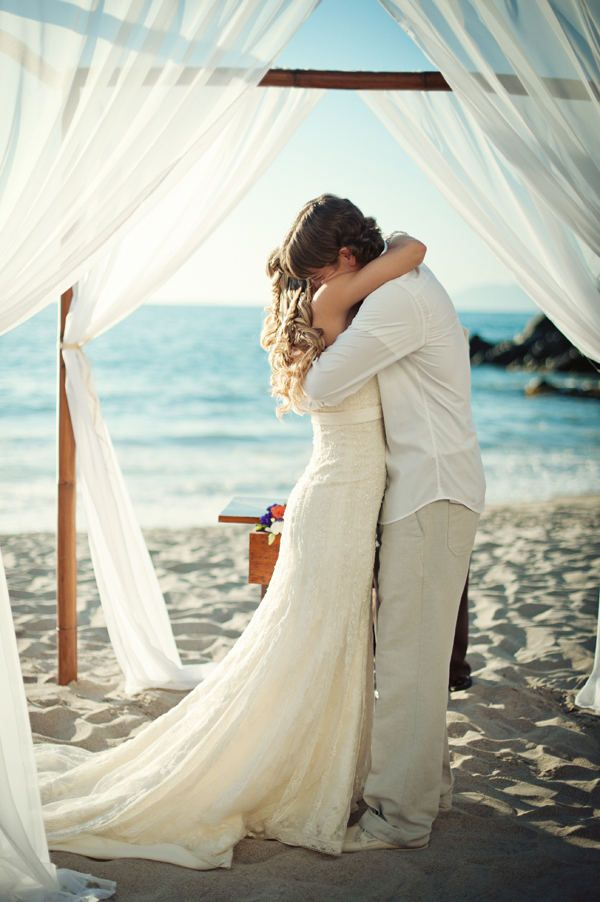 beach weddings are the best