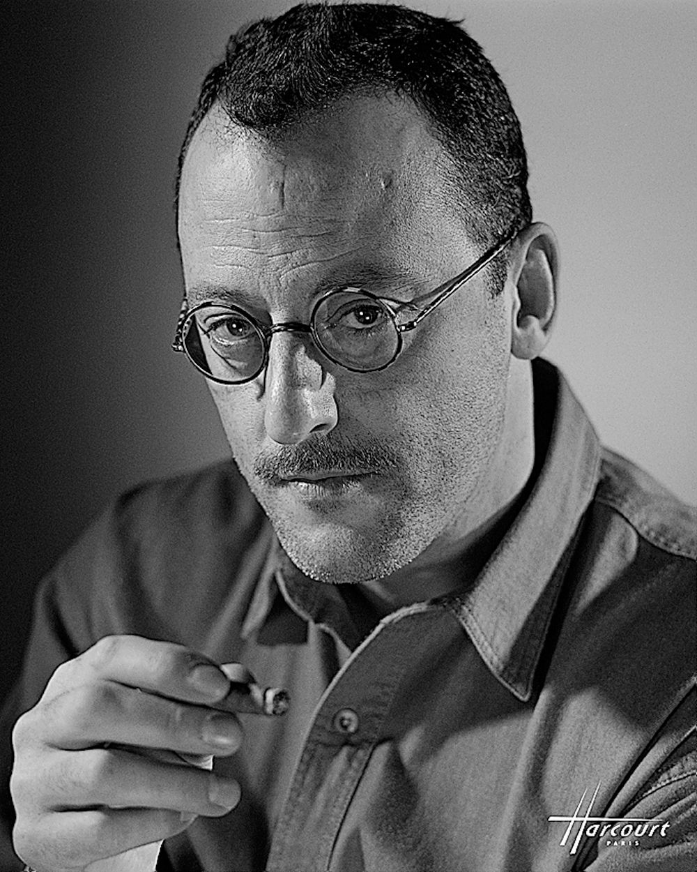 Jean Reno, por Raymond Voinquel