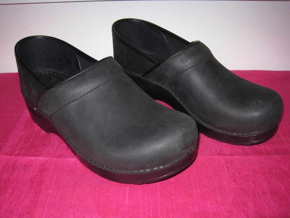 110a1827a1b Dansko size 40 Classic Womens Black Oiled Leather Clog  Dansko  Comfort