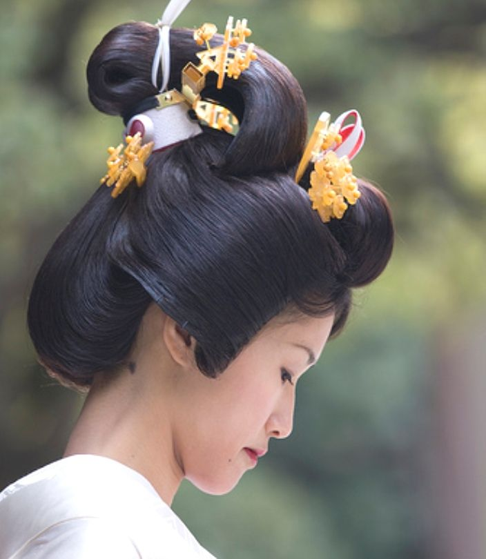 Asian Wedding Hairstyle: Japanese, Bunkin Takashimada Samurai Bride Style
