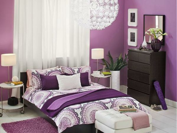 lila schlafzimmer gestalten deko ideen mit bildern. Black Bedroom Furniture Sets. Home Design Ideas