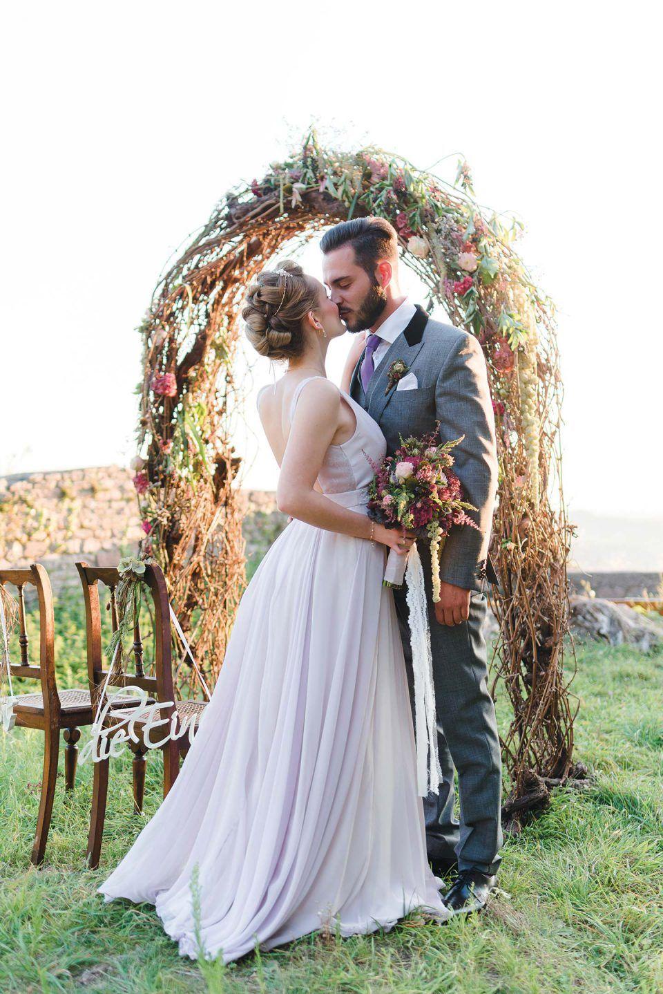 Burgruine Schauenburg Naturlichkeit Trifft Tradition Hochzeitswahn Sei Inspiriert Kleid Hochzeit Brautjungfernkleid Hochzeit