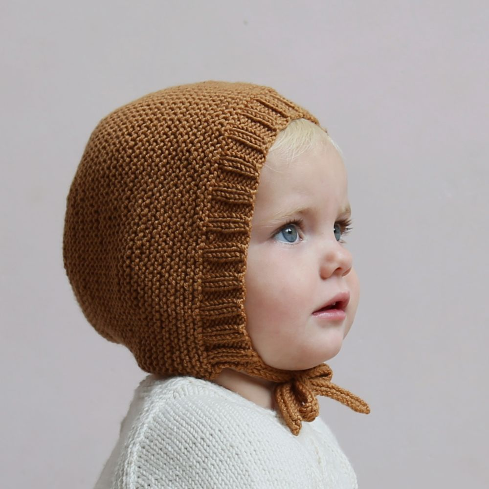 Bonnet \'Ava\' via lillelovaknits. Click on the image to see more ...