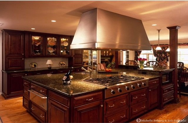 Medium classic luxury kitchen design big kitchen island for Big island kitchen design