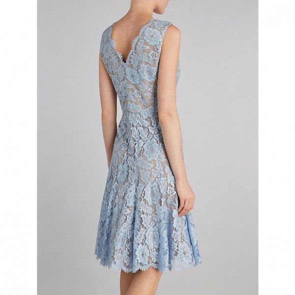 gina-bacconi-v-neck-scallop-floral-lace-dress-2-600x600.jpg (600×600)